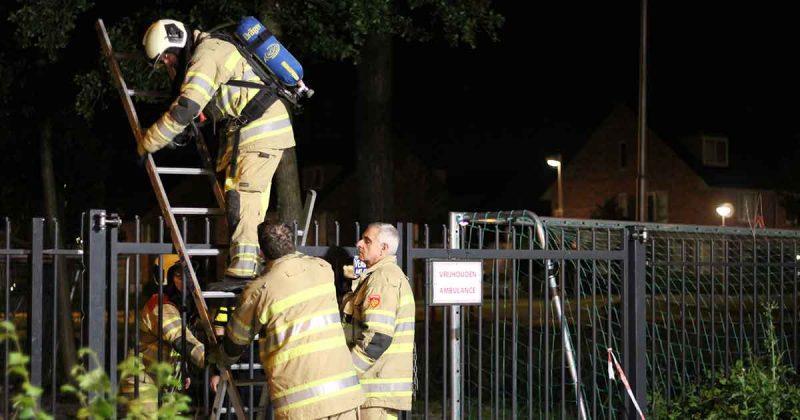 Brandende-kliko-verwoest-kunstgrasveld-van-voetbalvereniging-PVCV2_foto_112MediaUtrecht