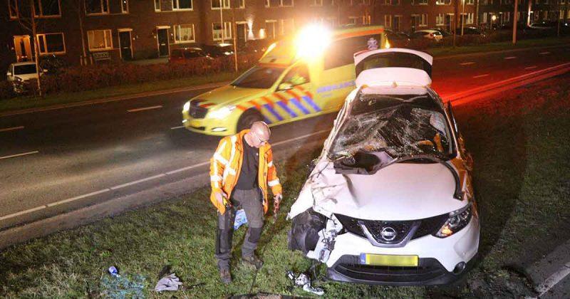 Dronken-automobilist-rijd-lantaarnpaal-op-de-Stadsbaan-omver_4_foto_112mediautrecht