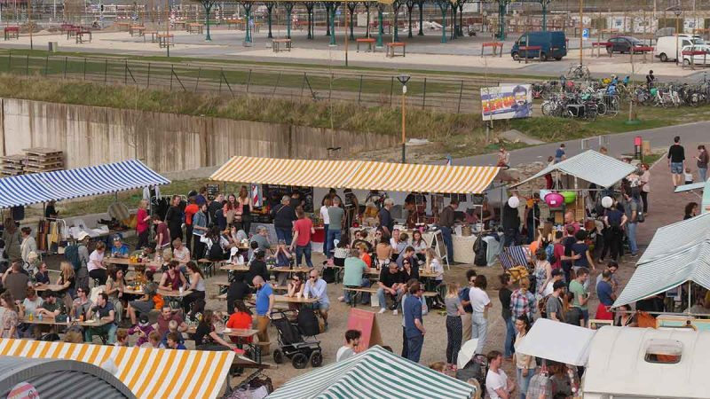 Vintagemarkt Le Bazarre bij RAUM