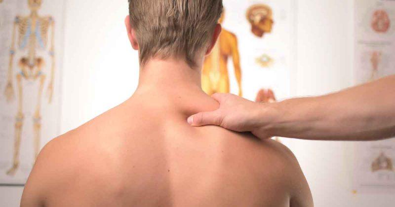 massage_pijn_rug_ziekenhuis_huisarts_foto_Jesper_Aggergaard