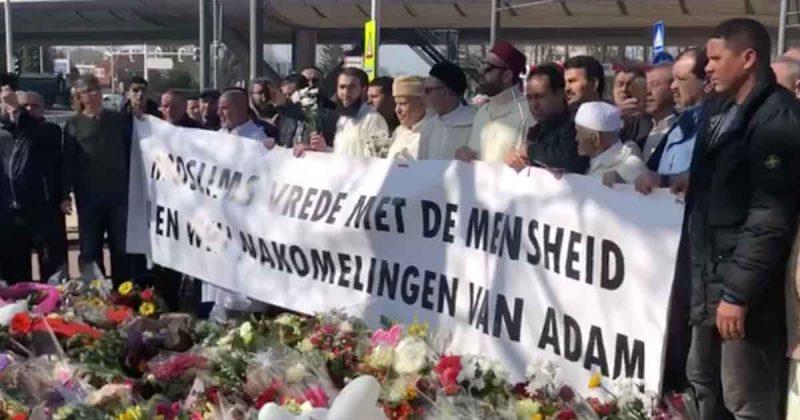 moslims_vrede_met_de_mensheid_24_oktoberplein_herdenking