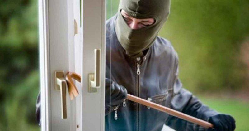 politie inbraak inbreker